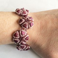 Beading tutorial for this bracelet with Kheops par Puca beads and 2 colors 11/0 seed beads