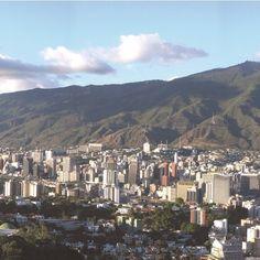 Composición fotográfica de El Ávila (2/3)  Cortesía de http://ift.tt/1ZeRwSl  #LaCuadraU #GaleriaLCU #Avila #ElAvila #Caracas #CaracasNatural #Ccs #CcsNatural #Venezuela #IgersCaracas #IgersVenezuela
