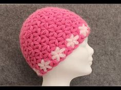 This is one more great opportunity for those crochet hookers who love and enjoy making beanie hats, because right now we are going to teach you how to crochet this delightful Jasmine stitch or triangle star stitch beanie in just a short period of time
