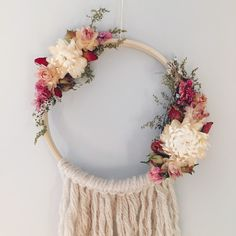 Dreamcatcher // bohemian decor // boho // dried por MeadowandMoss