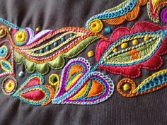 """glazig"" embroidery - ALSO Shisha Mirror Types Of Embroidery, Embroidery Needles, Crewel Embroidery, Embroidery Applique, Cross Stitch Embroidery, Embroidery Patterns, Diy Broderie, Bordado Floral, Fabric Art"