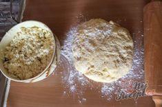 Babiččin recept – tvarohové kynuté šatičky – RECETIMA Nutella, Square Blanket, Sugar, Crochet Granny, Challah, Bakken, Ancient Recipes, Top Recipes, Crochet Pattern