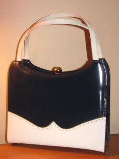 Vintage KELLY bag frame Purse Life Stride faux Leather bubble clasp Pin up 50's Mad Men Classic Gold Navy White RETRO London MOD