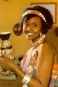 SOMALIALAISIA POSTIKORTTEJA, avaa linkki. Somalian postcards, before 1992.