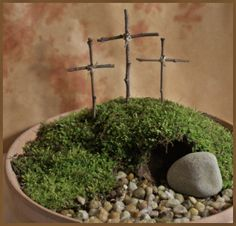 I wonder what they grew for the greenery? I like this though...Humm...must think on what to do...Although, do you think there was grass growing on Golgotha? I mean, it was springtime but it IS a desert.