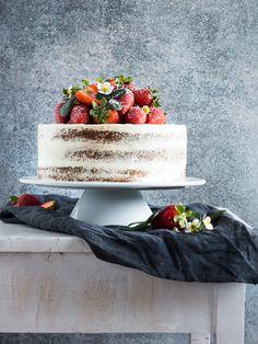 Erdbeer-Vanille-Holunderblüte / strawberry layer cake / naked Cake | Meine Küchenschlacht