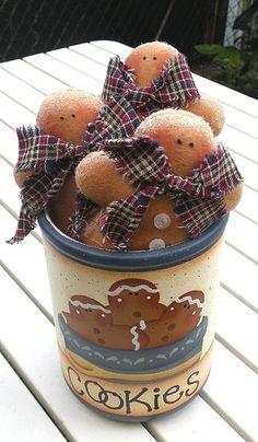 jar: design angie black felt gingerbread: design Tilda