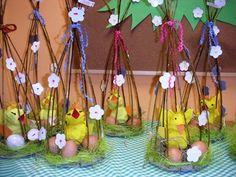 Felt Crafts, Easter Crafts, Easter Ideas, Easter Baskets, Party Favors, Kindergarten, Jar, Flowers, Teaching