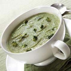 El brócoli es uno de los mejores alimentos para desintoxicar el organismo después de los excesos de las vacaciones. Prueba esta #receta de crema de brócoli