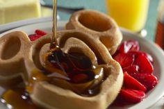 Mickey waffle! http://www.ilovetotravel.com.br/doces-em-orlando/