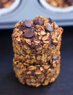 With these wholesome chocolate oatmeal breakfast cupcakes, you cook just ONCE and get a delicious breakfast for the entire month!