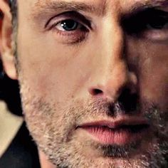 Sooo missing Rick right now! He's been almost nonexistent during the second half of S4. *sad face* #TheWalkingDead