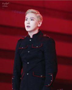 Himchan oppa on stage ❤️ Himchan, Youngjae, Seoul Korea, Bap, Rapper, Chef Jackets, Korean, Twitter, Instagram Posts