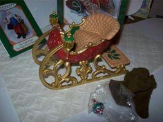 Hallmark-2001-Santas-Sleigh-Sled-Miniature-Ornament-Figurines-Lovely-HTF