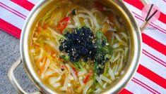 Jang Kalguksu, Korean Spicy Noodle Soup Recipe & Video - Seonkyoung Longest Chicken Zucchini, Garlic Chicken, Zucchini Noodles, Beef Noodle Soup, Beef And Noodles, Korean Chicken, How To Cook Chicken, Stir Fry Recipes, Soup Recipes