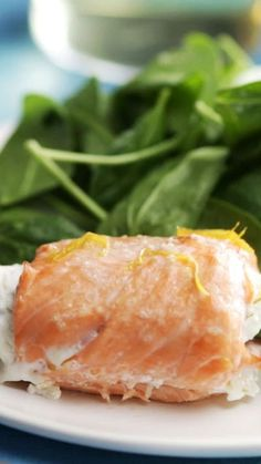 Take the classic salmon and asparagus pairing and turn it into a delicious, creamy roll!