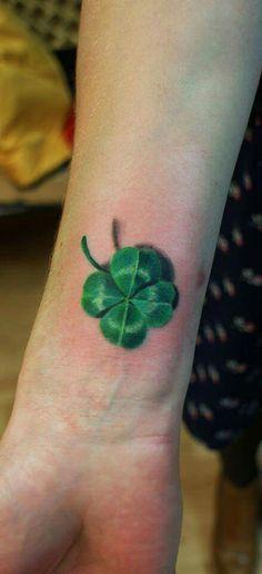 Four Leaf Clover Tattoo, Clover Tattoos, Luck Tattoo, Get A Tattoo, Clover Painting, Simple Butterfly Tattoo, Irish Tattoos, Beautiful Tattoos, Easy Drawings