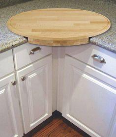 Corner Oval-Shaped Cutting Board : Homemaking Tips
