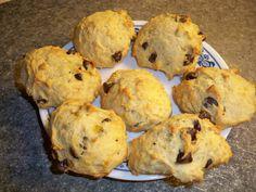Biscuits Moelleux aux Bananes et Pépites de Chocolat Biscuit Cake, Biscuit Cookies, Biscuits Brownies, Baking Recipes, Cookie Recipes, Desserts With Biscuits, Dessert Biscuits, Muffin Bread, Scones