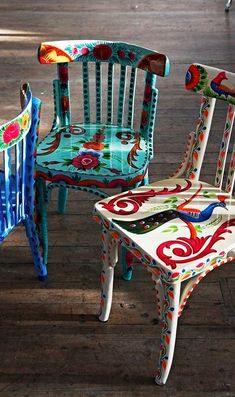 With a little paint and imagination you can give your furniture a new etno look