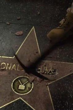 Jemand hat Trumps Walk-of-Fame-Stern mit einem Vorschlaghammer zerstört