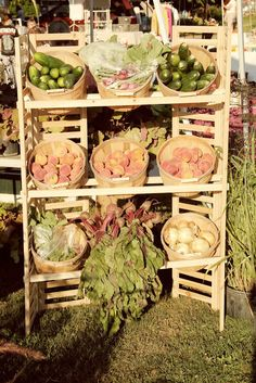 farmers market display, vegetable baskets, produce display