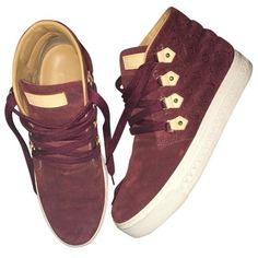 Pre-owned Louis Vuitton Burgundy Suede Trainers (€475) ❤ liked on Polyvore featuring shoes, sneakers, burgundy, women shoes trainers, suede sneakers, burgundy shoes, burgundy suede shoes, suede trainers and burgundy sneakers