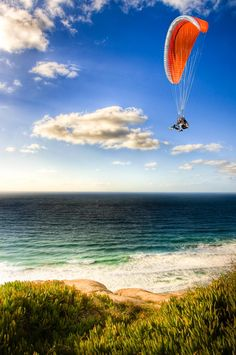 Over the years, the Torrey Pines Gliderport in San Diego has become a mecca for paragliding and hang gliding, largely because the unique structure of the T Adventure Bucket List, Adventure Is Out There, Nocturne, Hang Gliding, Bungee Jumping, Torrey Pines, Whitewater Kayaking, Paragliding, Perfect World