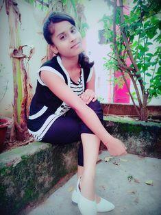 Sweet Girl Pic, Cute Girl Photo, Beautiful Girl Photo, Beautiful Girl Indian, Beautiful Indian Actress, Stylish Girl Images, Stylish Girl Pic, Cool Girl Pictures, Girl Photos