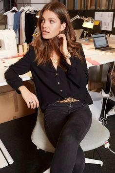 Discover recipes, home ideas, style inspiration and other ideas to try. Daily Fashion, Fashion 2020, Girl Fashion, Fashion Outfits, Leopard Outfits, Mode Plus, Basic Outfits, Work Looks, Elegant Outfit