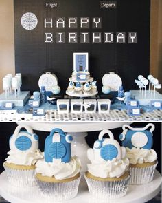 Lynlee {Lynlee's Petite Cakes} B's Birthday / Pan Am themed party - Come Fly Away at Catch My Party Adult Birthday Party, 80th Birthday, Birthday Party Themes, Birthday Celebration, Happy Birthday, Birthday Ideas, Themed Parties, Birthday Board, Planes Party