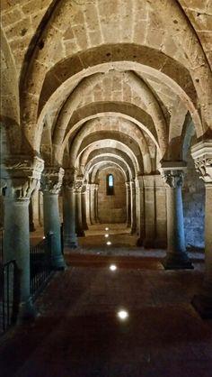 Acquapendente. Cripta della chiesa di San Sepolcro a Gerusalemme. Cities, Saints, Italia, City