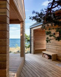 5 inexpensive modern prefab houses you can buy right now – Placee – Architecture & Design Modern Log Cabins, Modern Prefab Homes, Lakeside Living, Outdoor Living, Modern Saunas, Urban Living, Tyni House, Aspen House, Sauna Design