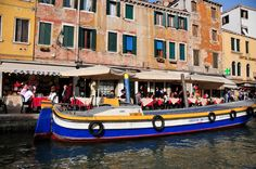 A view of the mary restaurants in Venice during our #Gran #Canal #boat #tour..