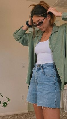 Teen Fashion Outfits, Mode Outfits, Retro Outfits, 90s Girl Fashion, 80s Style Outfits, 80s Inspired Outfits, Trendy Teen Fashion, Vintage Summer Outfits, Cheap Outfits