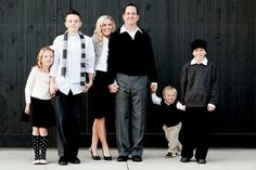 Family Picture Clothes by Color-Black and White - Capturing Joy with Kristen Duke @kimmydmuller