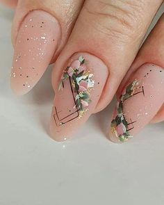 Natural nails are always in style no matter what the season, which is why I'm sharing 50 must-try designs that are perfect for those who are opting for more subtle, yet sophisticated designs. Nails Best Natural Nail Ideas Anyone Can Do From Home Natural Nail Designs, Flower Nail Designs, Best Nail Art Designs, Nail Polish Designs, Nails Design, Salon Design, Wedding Nail Polish, Gel Nail Polish Set, Nail Nail