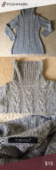 Gray Marl High Neck Cable Knit Sweater Worn only a couple of times, no signs of wear. Amazing quality -a must have for your fall/winter wardrobe!  Please note that it does not have a size tag. Fits size M and reaches the hips, but would also fit size S for oversized look.  Smoke-free, pet-free house. Not Zara, listed brand only for exposure. Zara Sweaters Cowl & Turtlenecks