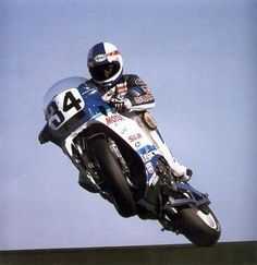 Schwantz-y getting all crossed up on a RG500 2-stroke GP bike (around 1986?). #fireitup @MotoFire