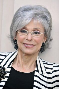 20 Hottest Short Hairstyles for Older Women – PoPular Haircuts - Meine Frisuren Haircut For Older Women, Hairstyles For Round Faces, Short Hairstyles For Women, Bob Hairstyles, Bob Haircuts, Layered Haircuts, Glasses Hairstyles, Fashion Hairstyles, Bride Hairstyles