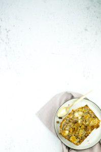 Glutenfree cake with nuts and dried fruit - Glutenvrije noten-vruchtenbrood
