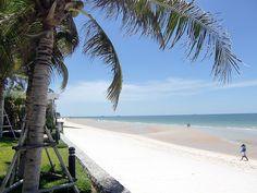 Hua Hin beach, Thailand by Vidar2010, via Flickr