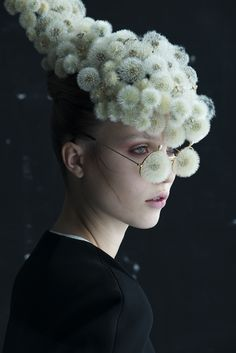 """Flower artist Duy Anh Nhan Duc has collaborated with photographer Isabelle Chapuis for two poetical series : """"Dandelion"""" and """"Etamine"""". The first series of portraits pays tribute to dandelions thro..."""