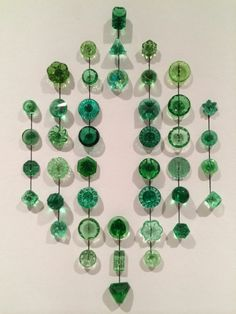 """42 GREEN """"DEPRESSION GLASS"""" BUTTONS... ALL DIFFERENT SOLD $103.05 on 6-6-2014"""