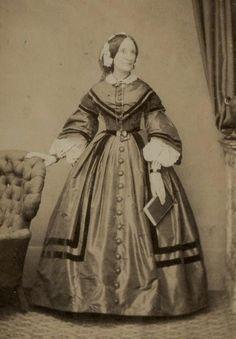 CDV: Mrs Carter wearing a hooped dress by Jones of Oxford St, London c.1860