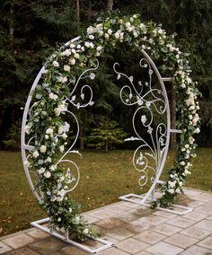 Wrought Iron Garden Furniture, Wrought Iron Decor, Door Gate Design, Rental Decorating, Outdoor Wedding Decorations, Flower Stands, Backdrop Stand, Wedding Stage, Balloon Decorations