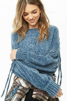 Forever 21 is the authority on fashion & the go-to retailer for the latest trends, styles & the hottest deals. Shop dresses, tops, tees, leggings & more! Trendy Outfits, Summer Outfits, Forever 21, Sweater Shop, Casual T Shirts, Sweater Outfits, Blue Sweaters, Crochet, Latest Trends