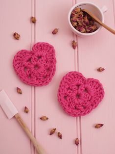 Free Crochet Pattern: Messyla Heart. Plus More Free Patterns At http://messyla.typepad.com/messyla-blog/free-crochet-patterns/