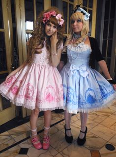 jaynejezebelle: Even more photos of the Otakon. Frocks For Girls, Little Girl Dresses, Flower Girl Dresses, Tween Fashion, Lolita Fashion, Style Lolita, Petticoated Boys, Men Dress Up, Brolita