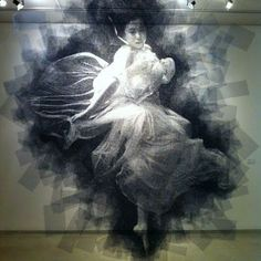Seung Mo Park. Portraits cut from layers of wire mesh. Each plane that forms the final image is spaced a few centimeters apart, giving the portraits a 3D effect.